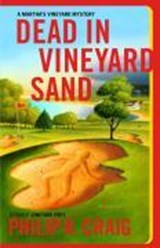 Dead in Vineyard Sand | Philip R. Craig |