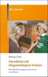 Interaktion mit hörgeschädigten Kindern