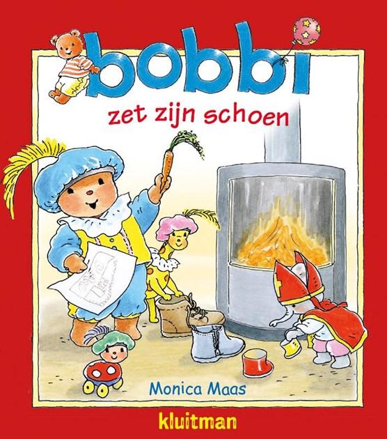 Bobbi zet zijn schoen