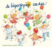Voor iedereen die jarig is, in het bijzonder voor 0 tot 10 jaar. Op deze feestelijke CD zijn bekende-én nieuwe verjaardagsliedjes op twee manieren opgenomen: gezongen en instrumentaal! Plus speelliedjes, dansjes, spelletjes en teksten!