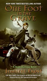 One Foot in the Grave | Jeaniene Frost |