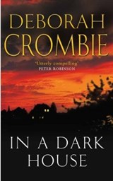 In a Dark House | Deborah Crombie |