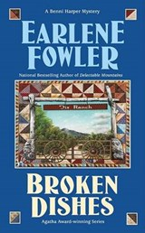 Broken Dishes | Earlene Fowler |