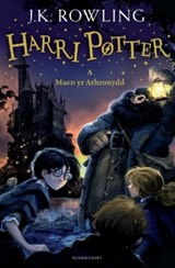 Harry Potter and the Philosopher's Stone Welsh | J.K. Rowling |