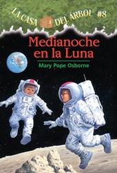 Medianoche en la Luna = Midnight on the Moon