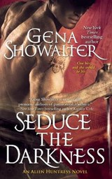 Seduce the Darkness | Gena Showalter |