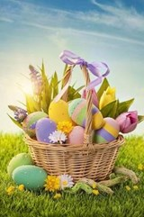 Basket Filled With Colorful Easter Eggs on the Grass Journal | auteur onbekend |