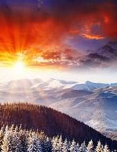 Jumbo Oversized a Brilliant Sunset in the Mountains of Alaska