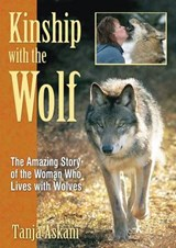 Kinship with the Wolf | Tanja Askani |