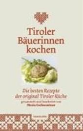 Tiroler Bäuerinnen kochen