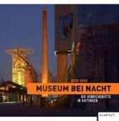 Museum bei Nacht