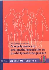 Groepsdynamica in gedragstherapeutische en psychodynamische groepen