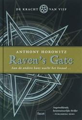 Raven's Gate (Kracht van Vijf 1)