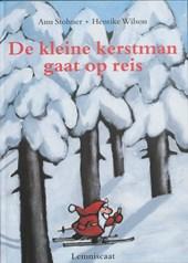 De kleine kerstman gaat op reis