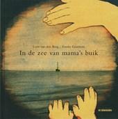 In de zee van mama's buik
