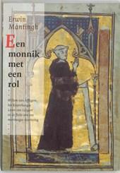 Een monnik met een rol