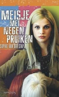 Meisje met negen pruiken | Sophie van der Stap |