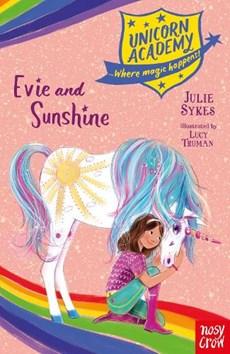 Unicorn Academy: Evie and Sunshine
