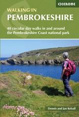 Walking in Pembrokeshire   Kelsall, Dennis ; Kelsall, Jan  