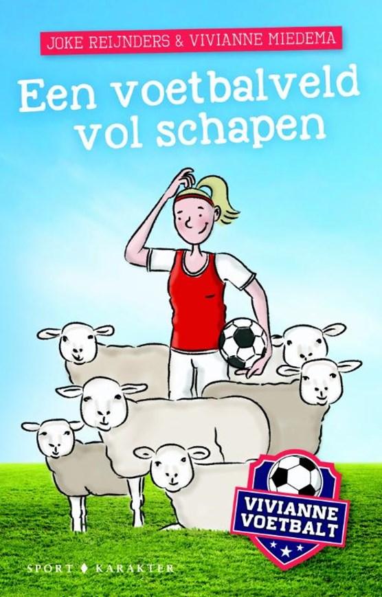 Een voetbalveld vol schapen